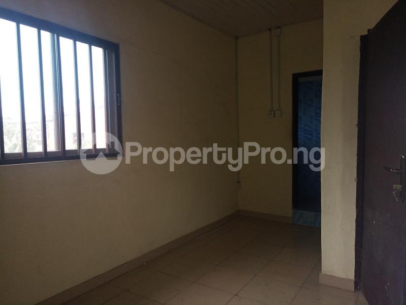 2 bedroom Mini flat Flat / Apartment for rent - Surulere Lagos - 5