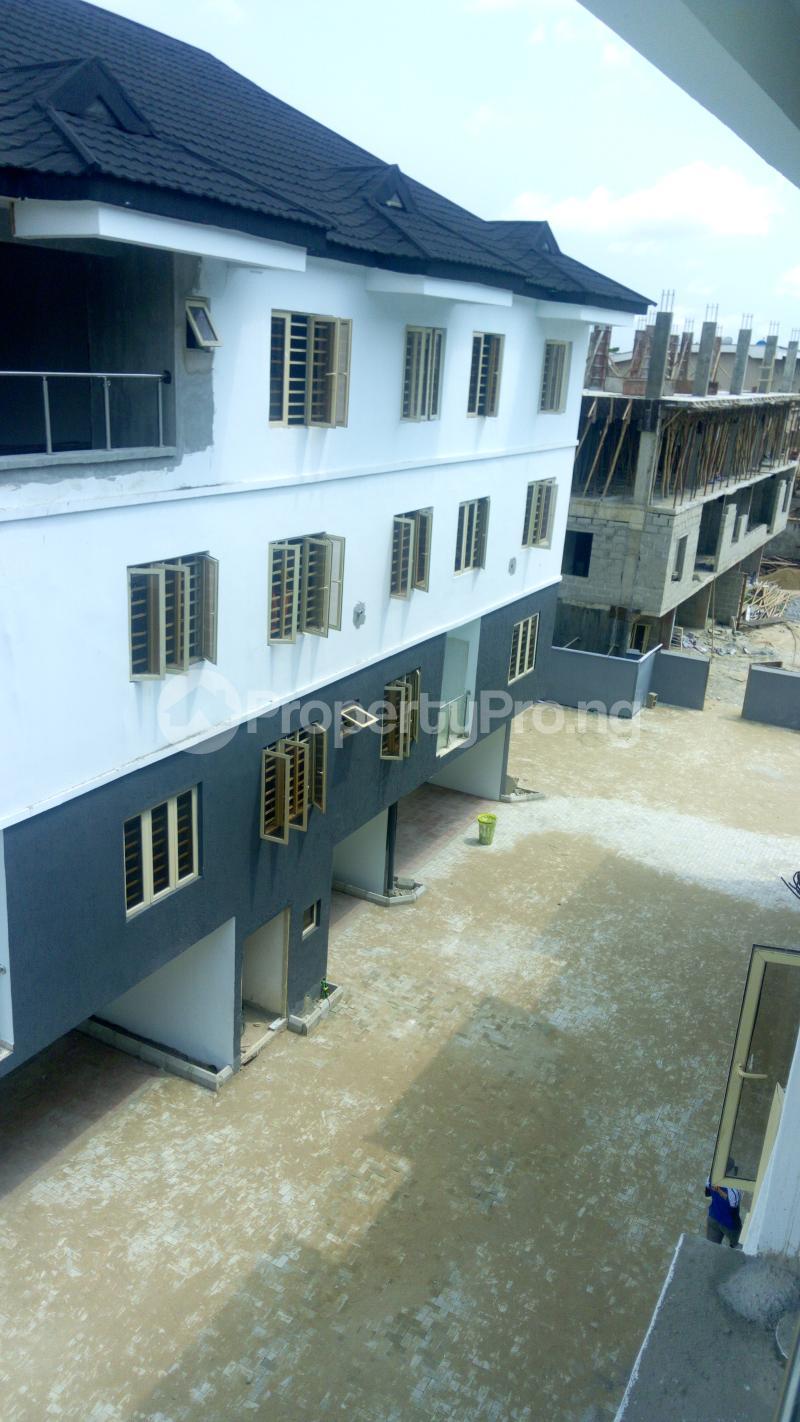 4 bedroom Terraced Duplex House for sale Iponri Iponri Surulere Lagos - 7
