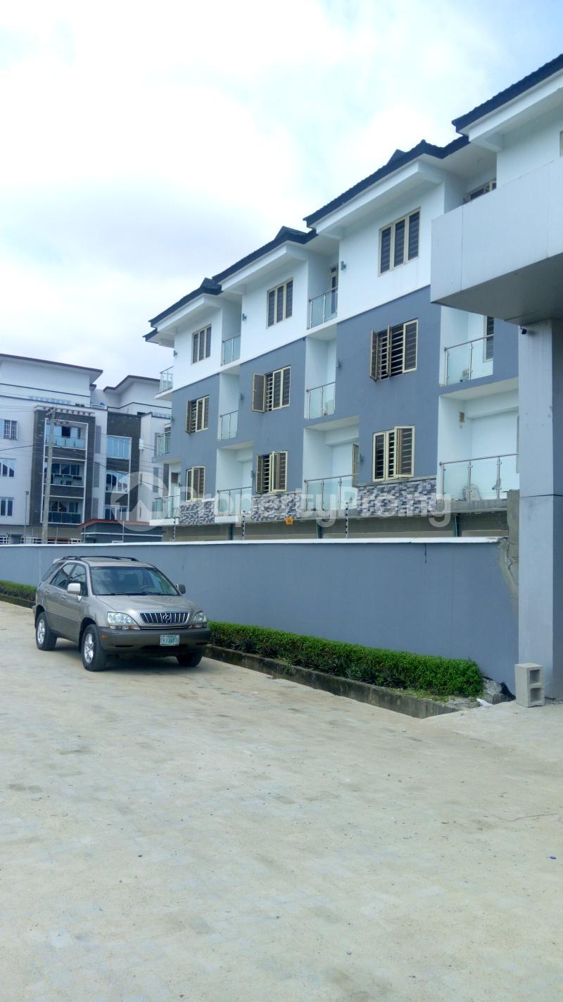 4 bedroom Terraced Duplex House for sale Iponri Iponri Surulere Lagos - 6