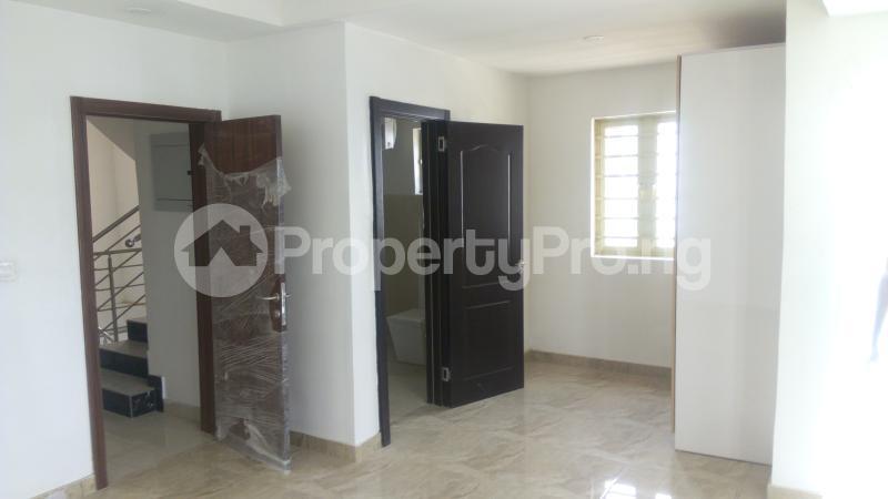4 bedroom Terraced Duplex House for sale Iponri Iponri Surulere Lagos - 11