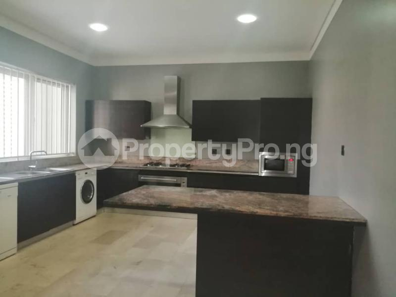 4 bedroom Terraced Duplex House for rent Off Ondo Street Banana Island Ikoyi Lagos - 19