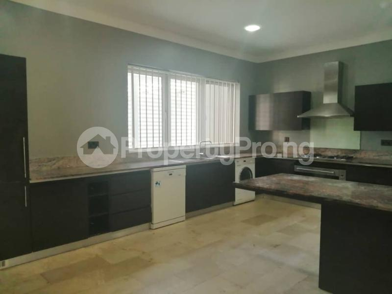 4 bedroom Terraced Duplex House for rent Off Ondo Street Banana Island Ikoyi Lagos - 8