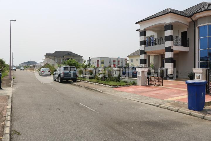 6 bedroom Detached Duplex House for sale Royal Gardens Estate Ajah Lagos - 3