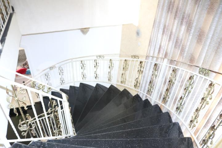 6 bedroom Detached Duplex House for sale Royal Gardens Estate Ajah Lagos - 40
