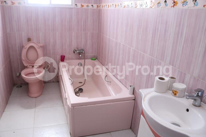 6 bedroom Detached Duplex House for sale Royal Gardens Estate Ajah Lagos - 66