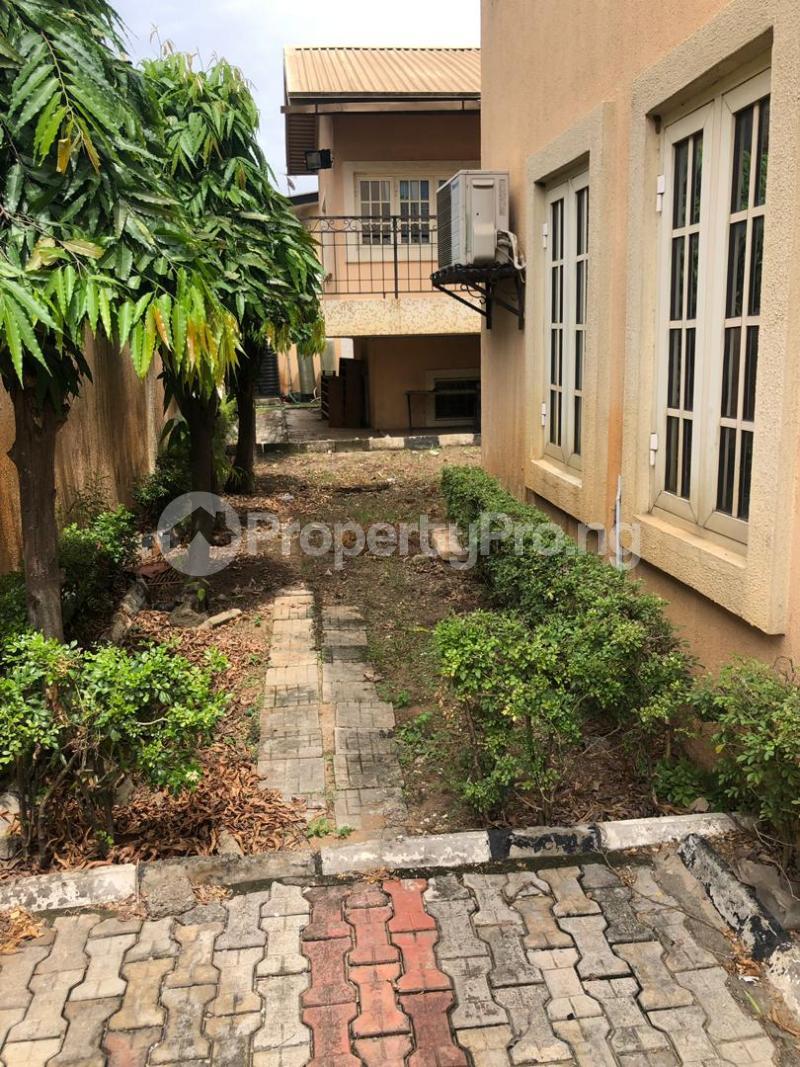 5 bedroom Detached Duplex House for sale Medina Estate Atunrase Medina Gbagada Lagos - 4