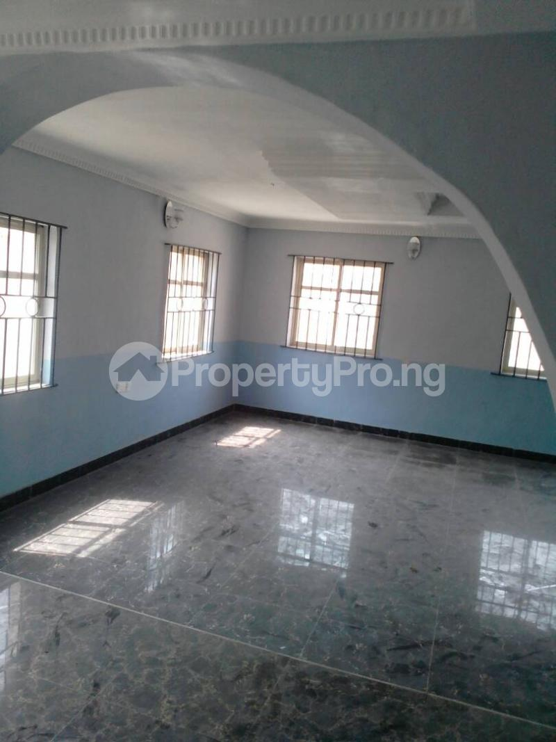 5 bedroom Detached Duplex House for sale Governor's rd Governors road Ikotun/Igando Lagos - 6