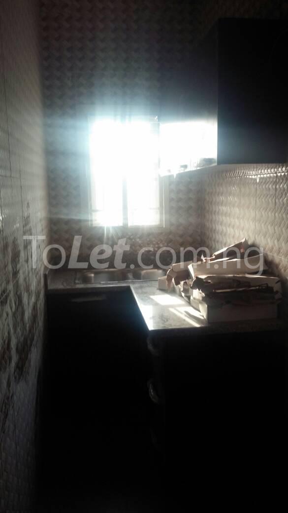 Flat / Apartment for rent off karounwi otunba Itire Surulere Lagos - 2