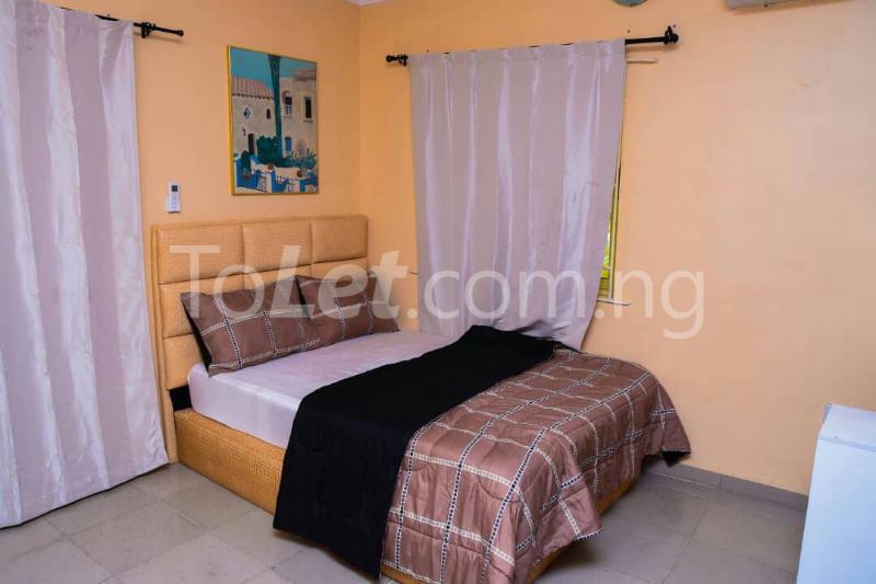 Flat / Apartment for shortlet off bodethomas street. Bode Thomas Surulere Lagos - 4