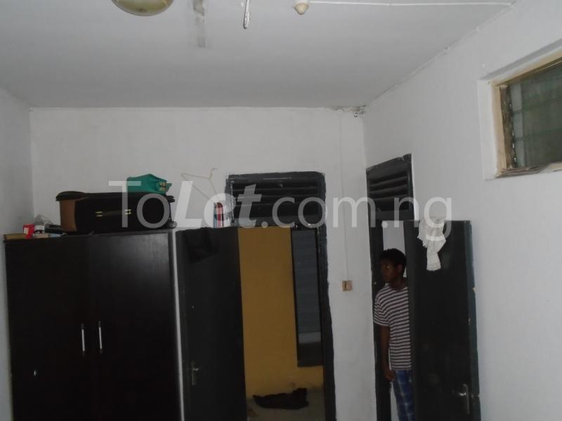 1 bedroom mini flat  Flat / Apartment for rent falolu,off akerele Itire Surulere Lagos - 3