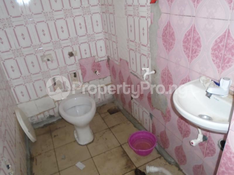 1 bedroom mini flat  Mini flat Flat / Apartment for rent itire road,lawanson Lawanson Surulere Lagos - 5