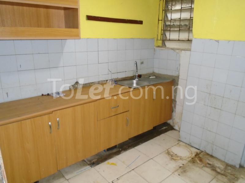 1 bedroom mini flat  Flat / Apartment for rent off adeniran ogunsanya,surulere Adeniran Ogunsanya Surulere Lagos - 2