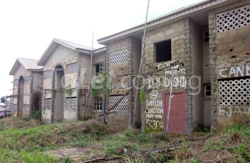 10 bedroom Flat / Apartment for sale - Ado-Ekiti Ekiti - 2