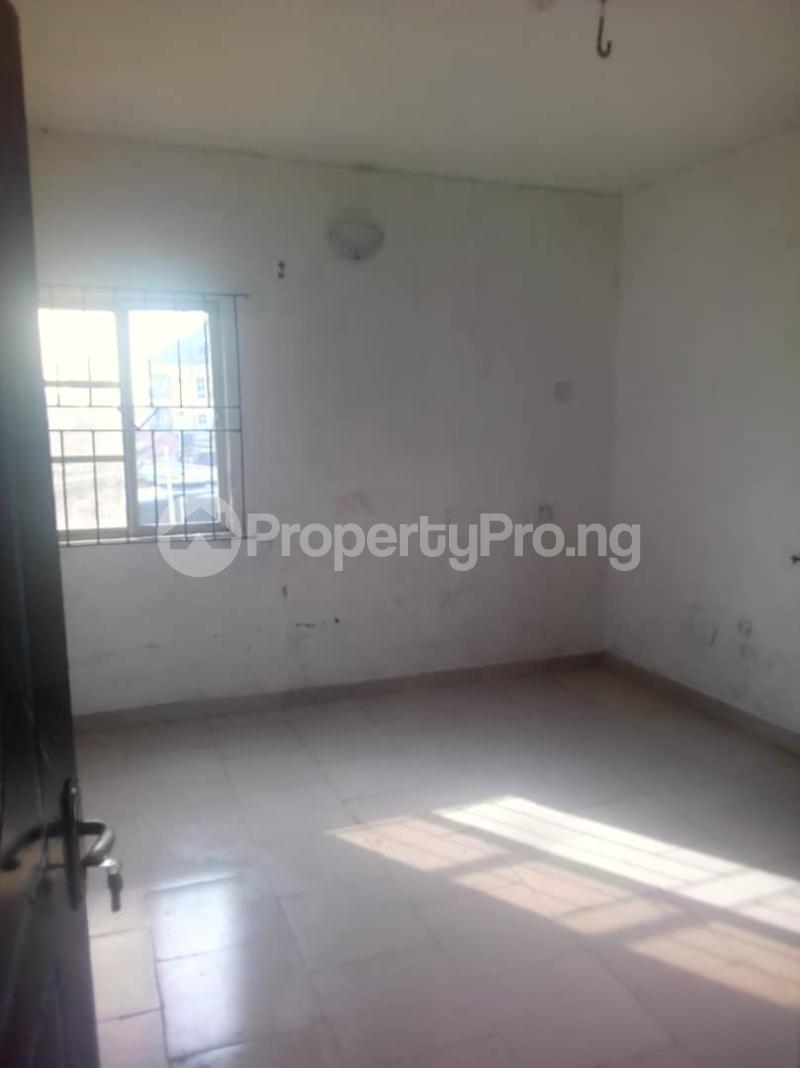 3 bedroom Flat / Apartment for rent Abule ijesha Abule-Ijesha Yaba Lagos - 2