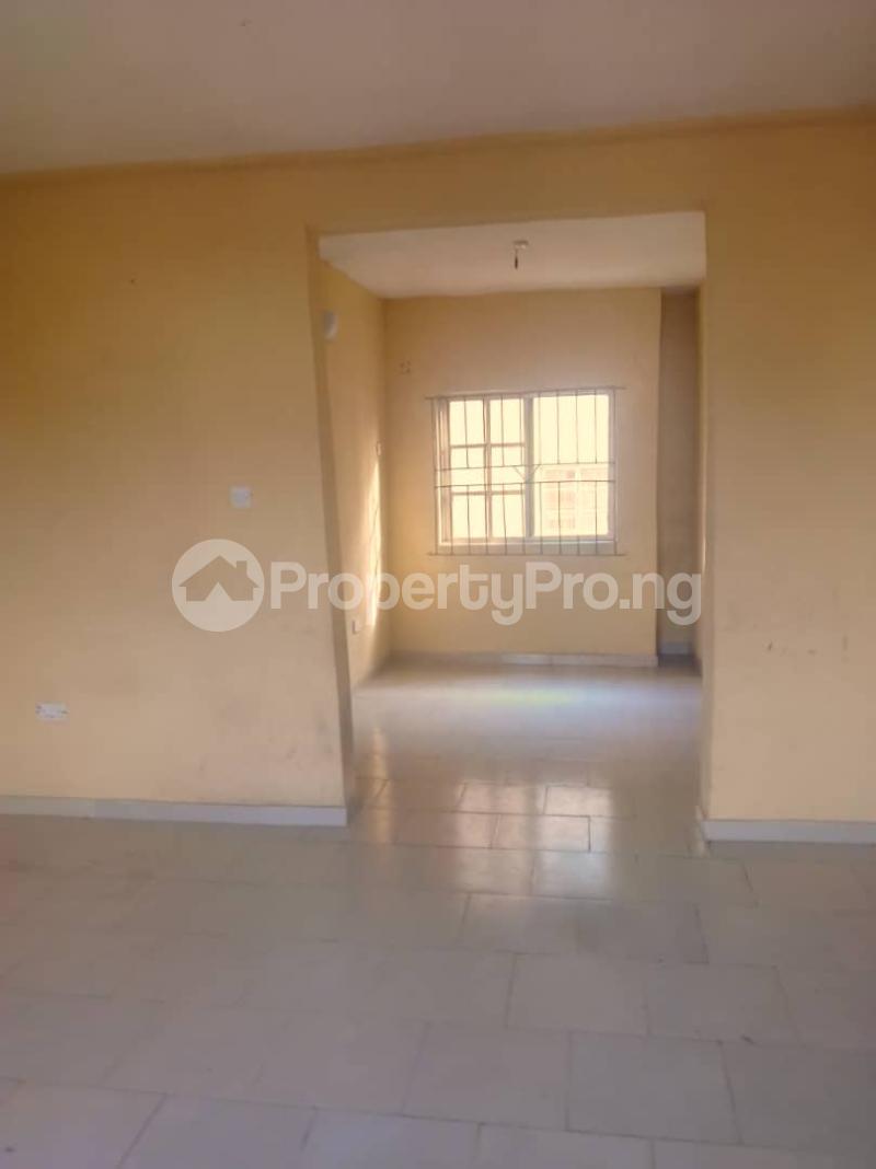 3 bedroom Flat / Apartment for rent Abule ijesha Abule-Ijesha Yaba Lagos - 9