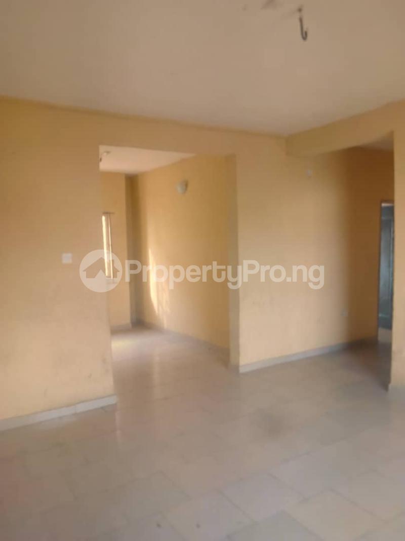 3 bedroom Flat / Apartment for rent Abule ijesha Abule-Ijesha Yaba Lagos - 8