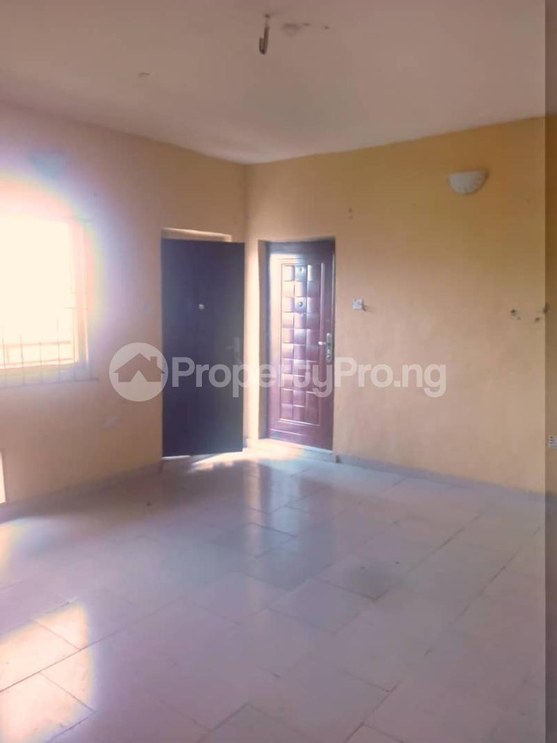 3 bedroom Flat / Apartment for rent Abule ijesha Abule-Ijesha Yaba Lagos - 11