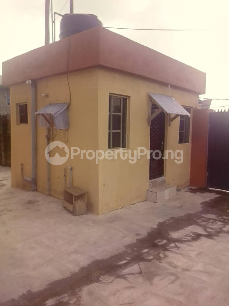3 bedroom Flat / Apartment for rent Abule ijesha Abule-Ijesha Yaba Lagos - 3