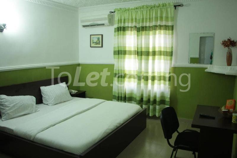 9 bedroom Hotel/Guest House Commercial Property for rent 8B, Line 2A, Aladanla Layout (close to OAU teaching hospital) Ife Central Osun - 2