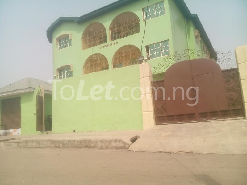 3 bedroom Flat / Apartment for rent WEMA bus express bus stop, New Ife Road axis Egbeda Oyo - 0