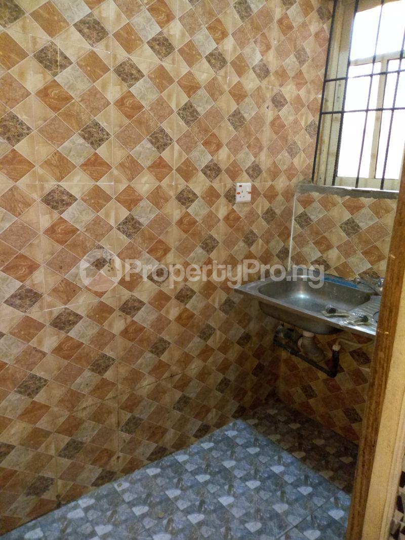 1 bedroom mini flat  Self Contain Flat / Apartment for rent U.I road 2nd gate Barika area. Ibadan polytechnic/ University of Ibadan Ibadan Oyo - 2