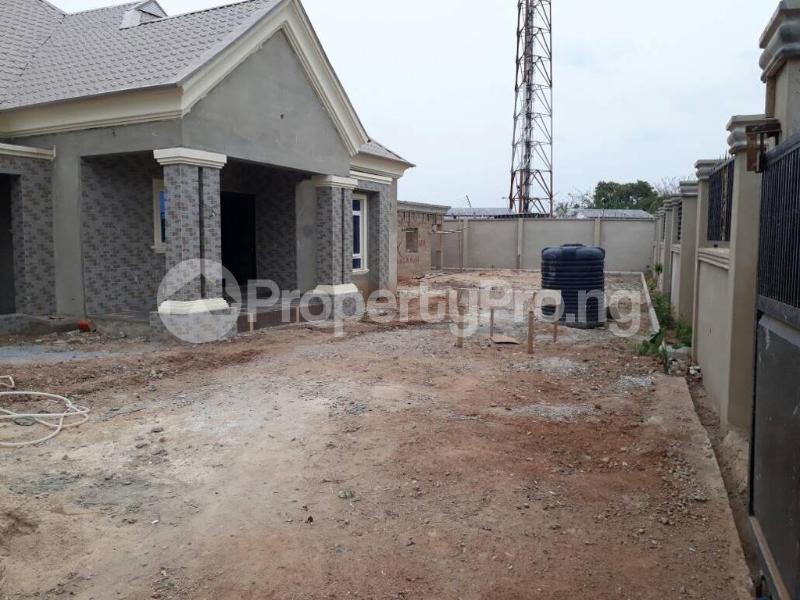 5 bedroom House for sale  alabameta area very close to main tiled road behinde katados filling-stations off osogbo Ikirun road, Olorunda L. G Osogbo osun state.  Olorunda Osun - 31