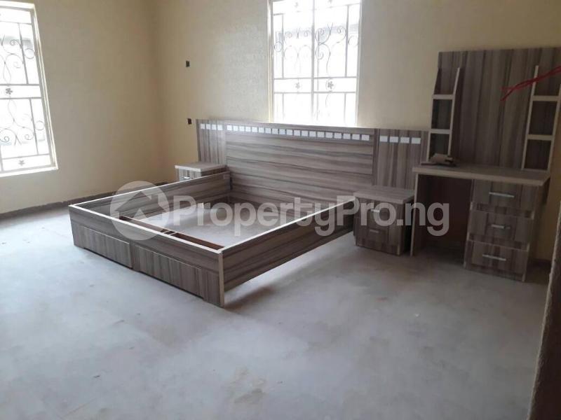 5 bedroom House for sale  alabameta area very close to main tiled road behinde katados filling-stations off osogbo Ikirun road, Olorunda L. G Osogbo osun state.  Olorunda Osun - 16