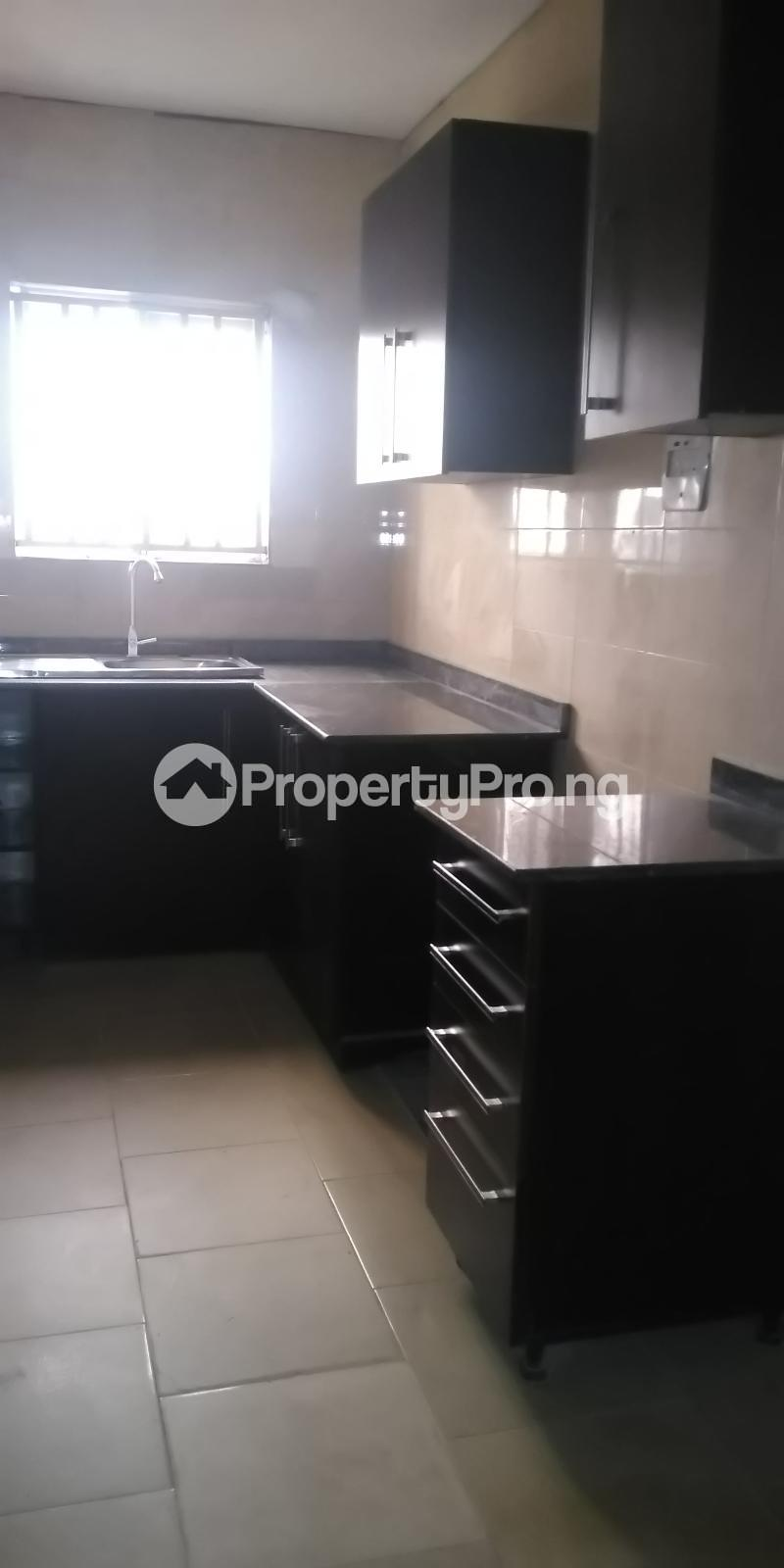 3 bedroom Flat / Apartment for rent Ibukunolu  Akoka Yaba Lagos - 12
