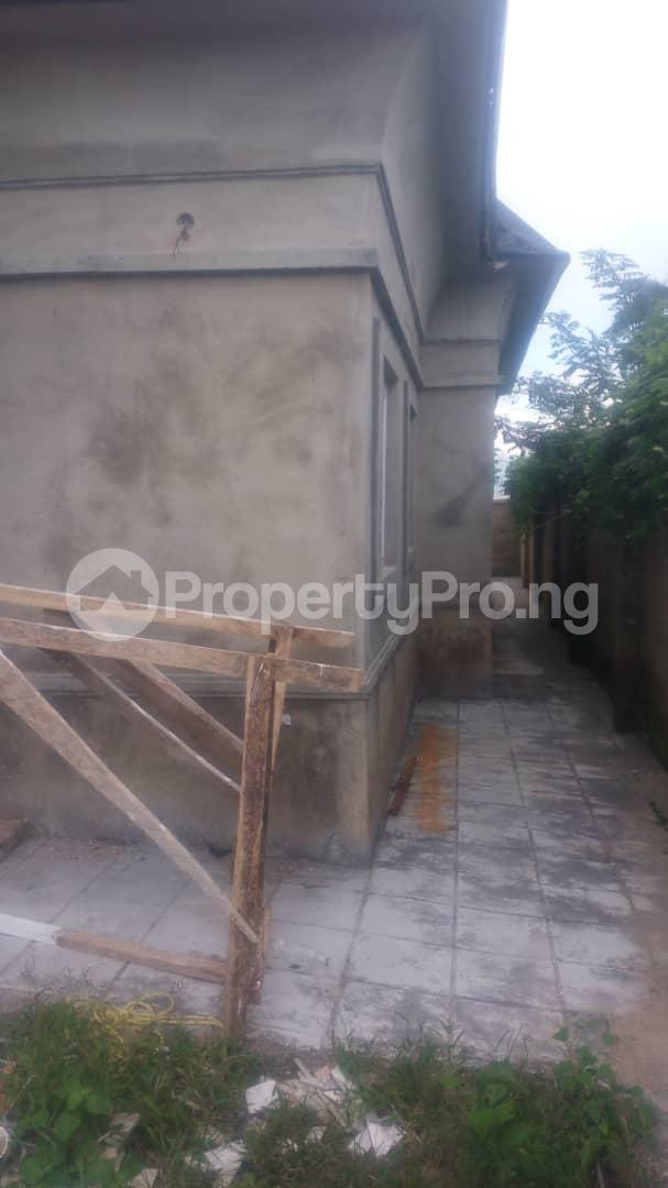 4 bedroom Mini flat Flat / Apartment for sale 4 timehin street  Osogbo Osun - 14