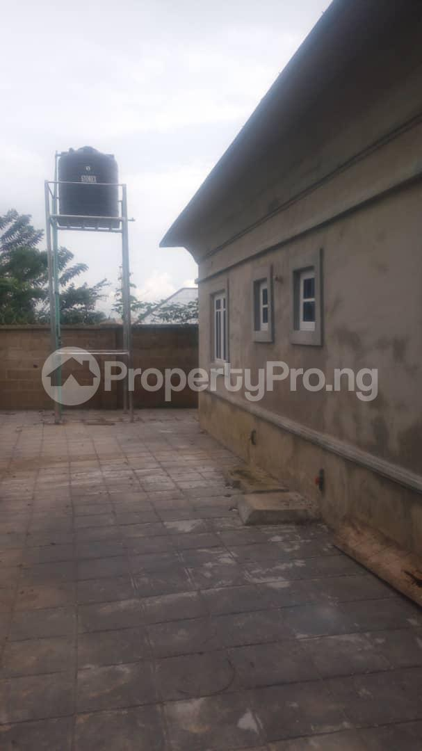 4 bedroom Mini flat Flat / Apartment for sale 4 timehin street  Osogbo Osun - 12