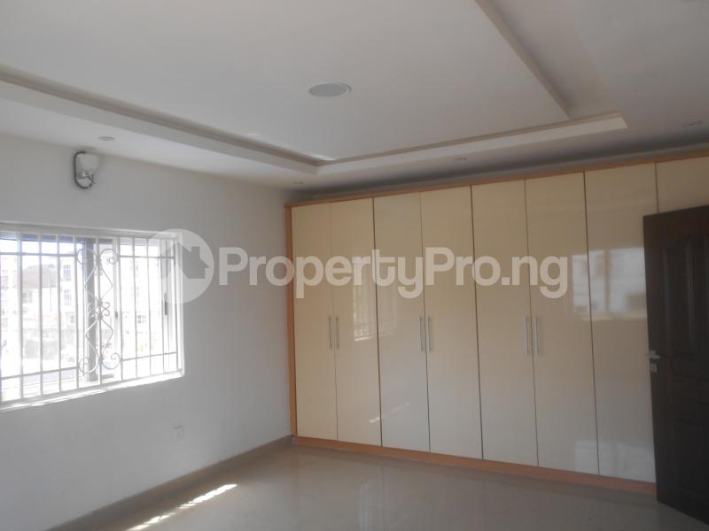 10 bedroom Flat / Apartment for rent Four point by sharaton road ONIRU Victoria Island Lagos - 11