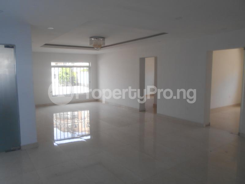 10 bedroom Flat / Apartment for rent Four point by sharaton road ONIRU Victoria Island Lagos - 7