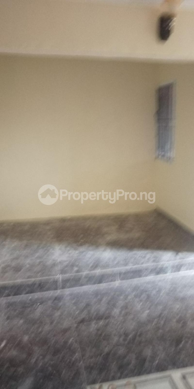2 bedroom Blocks of Flats House for rent White House COMAND IPAJA road Lagos  Ipaja road Ipaja Lagos - 6
