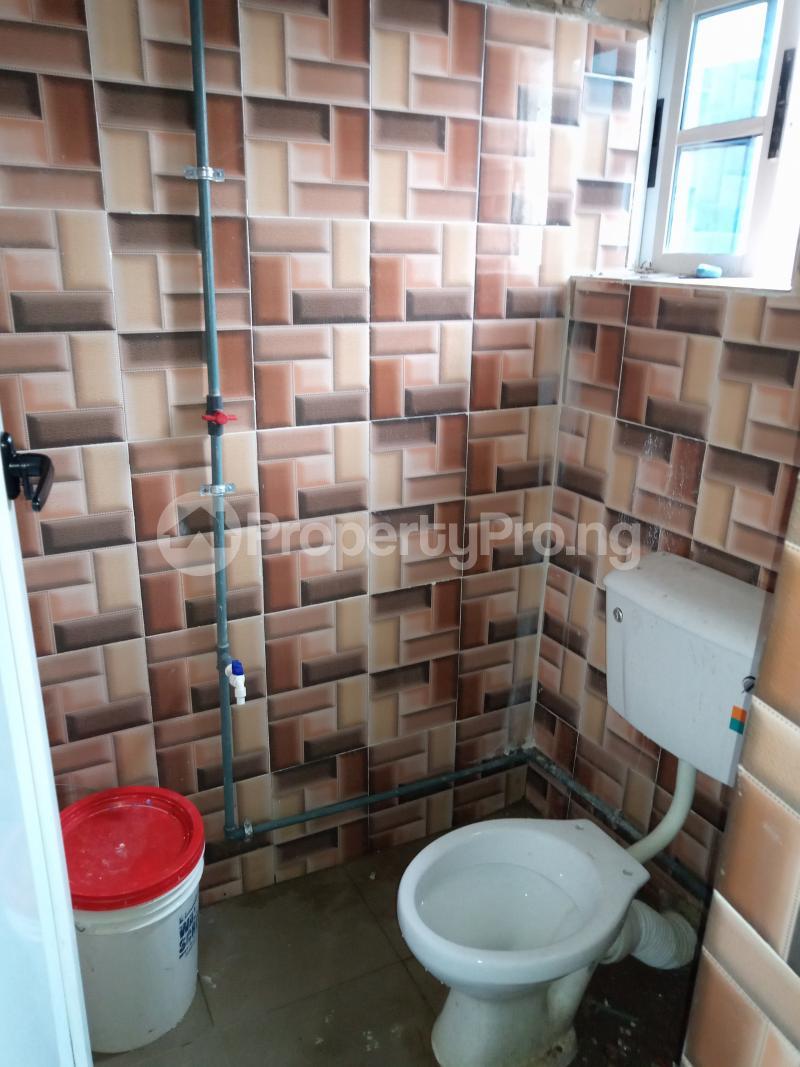 2 bedroom Flat / Apartment for rent Folagoro Fola Agoro Yaba Lagos - 3