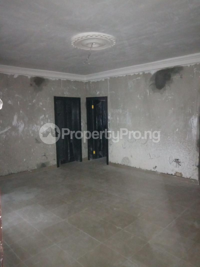 2 bedroom Flat / Apartment for rent Abule ijesha Fola Agoro Yaba Lagos - 1
