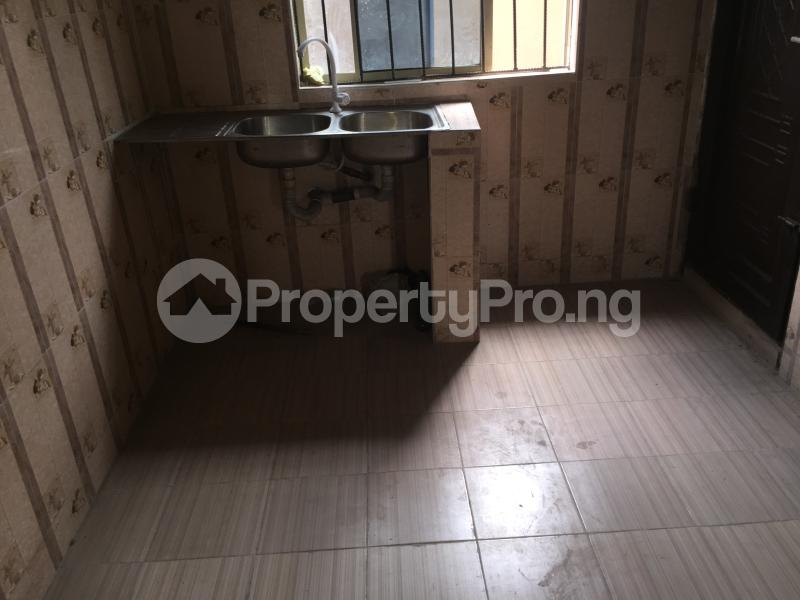 2 bedroom Flat / Apartment for rent Odenike  Abule-Ijesha Yaba Lagos - 6