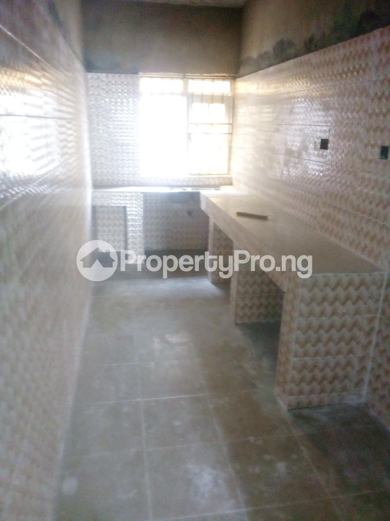 2 bedroom Flat / Apartment for rent Yabatech  Abule-Ijesha Yaba Lagos - 11
