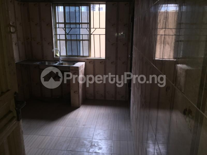 2 bedroom Flat / Apartment for rent Odenike  Abule-Ijesha Yaba Lagos - 7