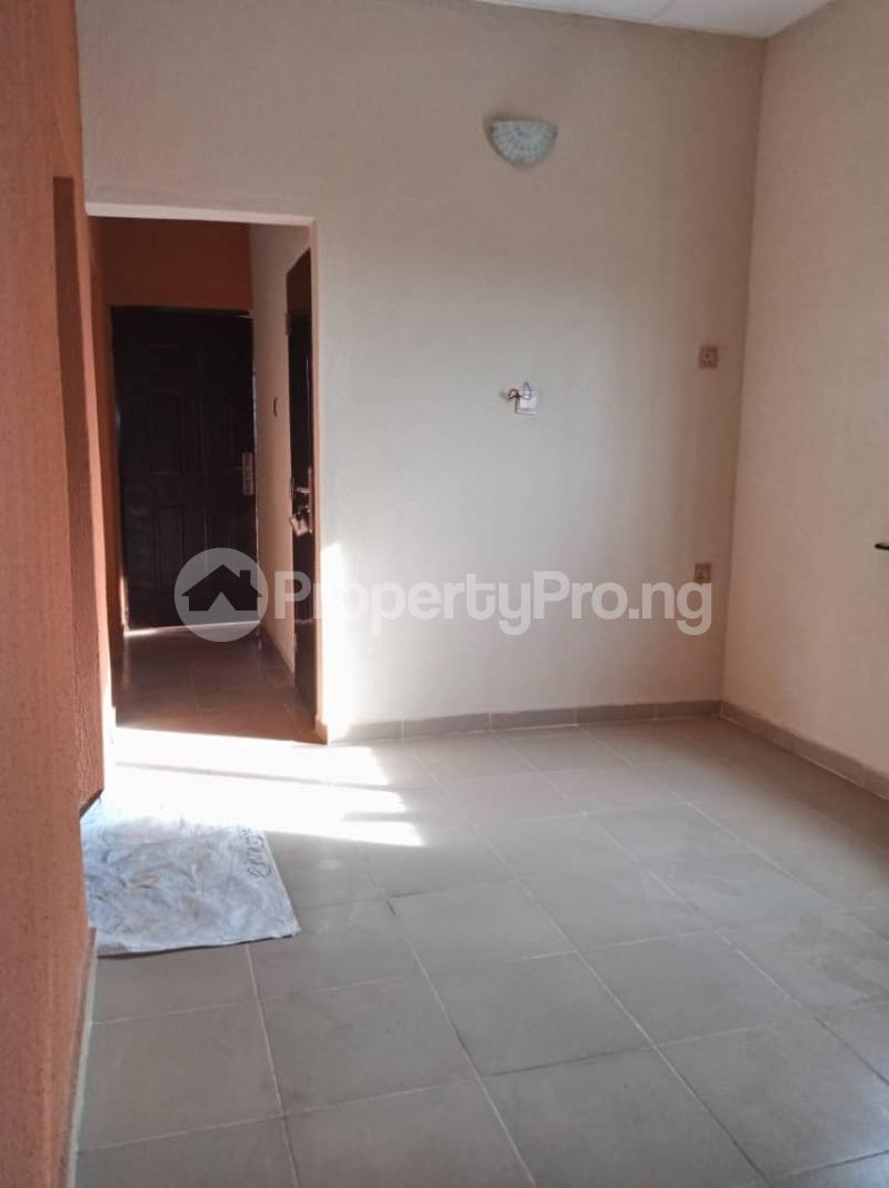 2 bedroom Blocks of Flats House for rent . Bariga Shomolu Lagos - 3