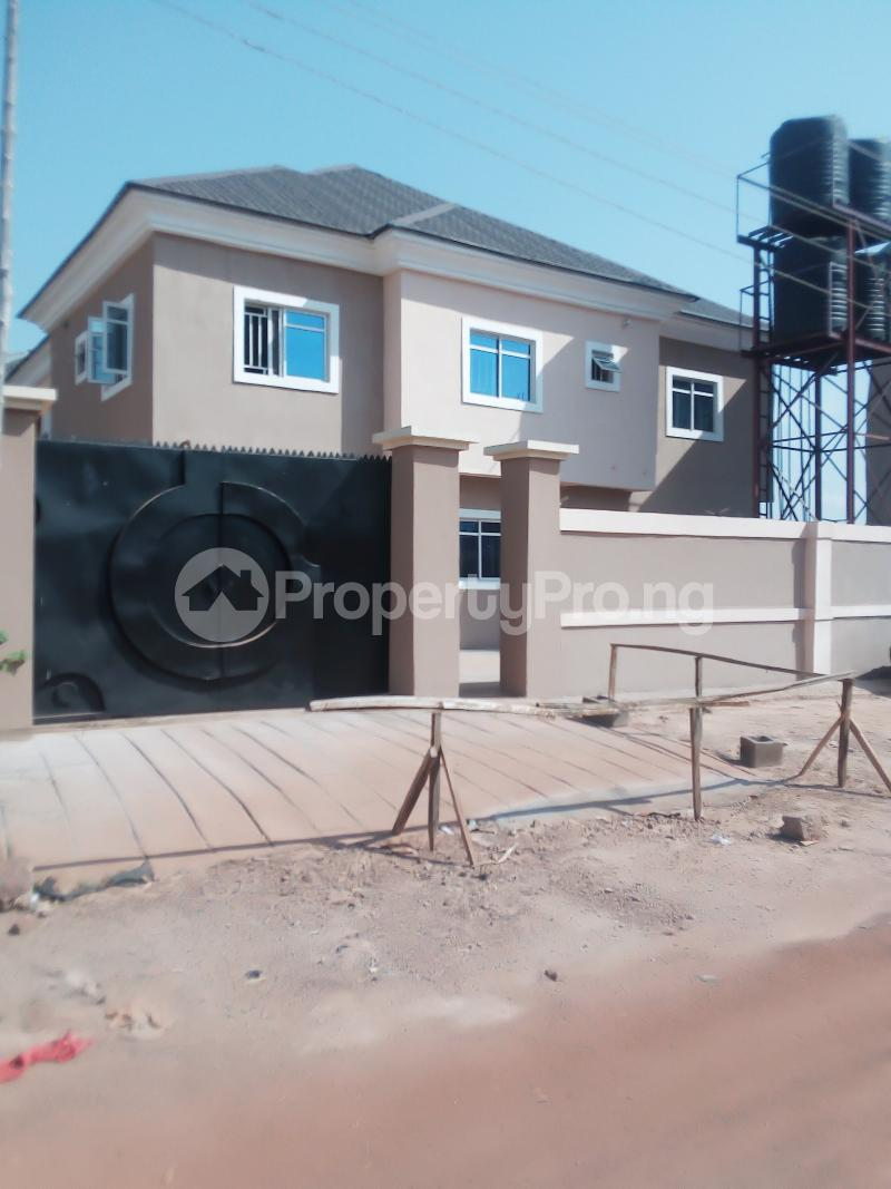 3 bedroom Blocks of Flats House for sale Off Bishop Shanahan Road Enugu Enugu - 1