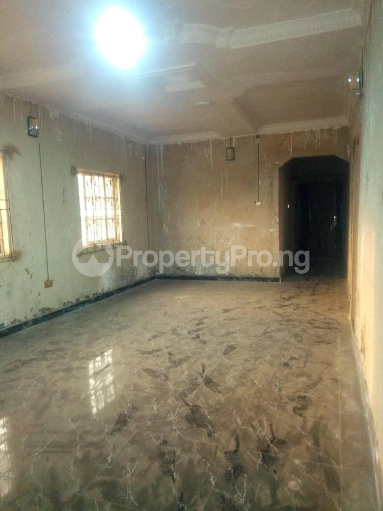 2 bedroom Flat / Apartment for rent Hy Ebute Metta Yaba Lagos - 5
