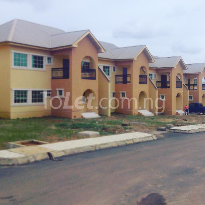3 bedroom House for sale - Gaduwa Phase 2 Abuja - 0