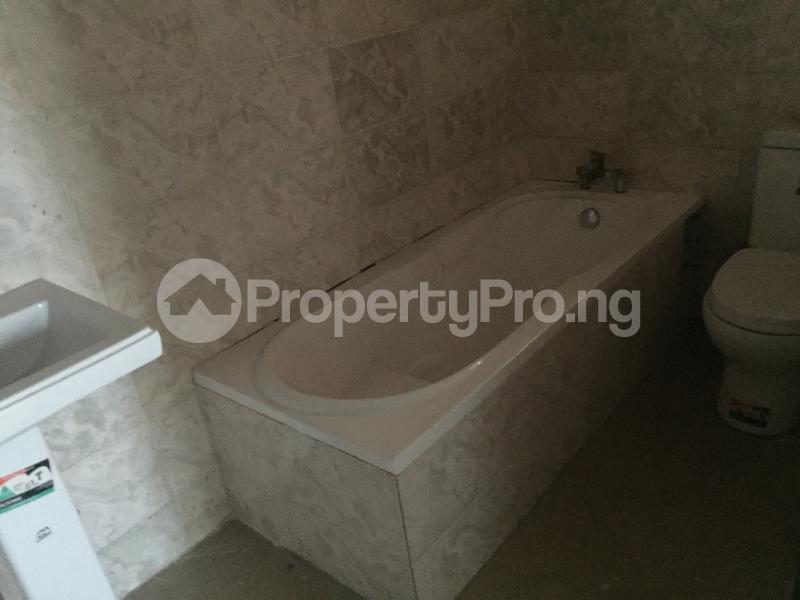 3 bedroom Flat / Apartment for sale Hughes Avenue  Alagomeji Yaba Lagos - 13