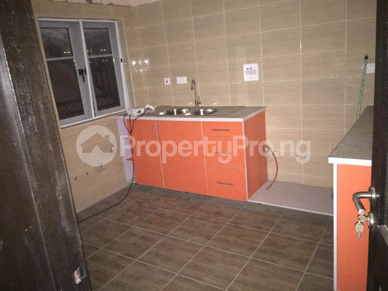 3 bedroom Flat / Apartment for sale Hughes Avenue  Alagomeji Yaba Lagos - 14