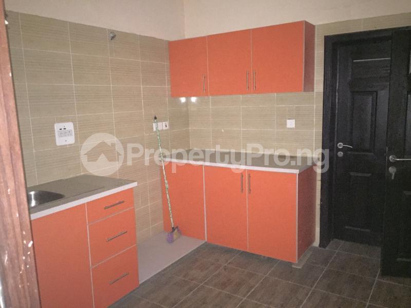 3 bedroom Flat / Apartment for sale Hughes Avenue  Alagomeji Yaba Lagos - 15