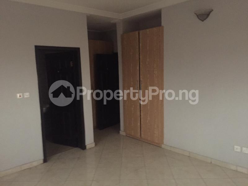 3 bedroom Flat / Apartment for sale Hughes Avenue  Alagomeji Yaba Lagos - 2