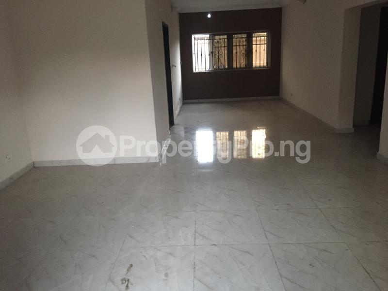 3 bedroom Flat / Apartment for sale Hughes Avenue  Alagomeji Yaba Lagos - 7