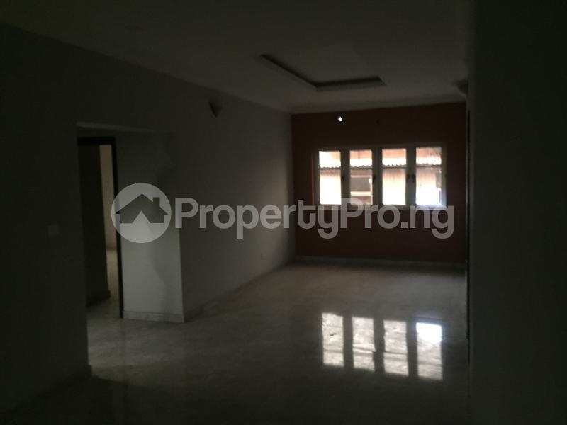 3 bedroom Flat / Apartment for sale Hughes Avenue  Alagomeji Yaba Lagos - 4
