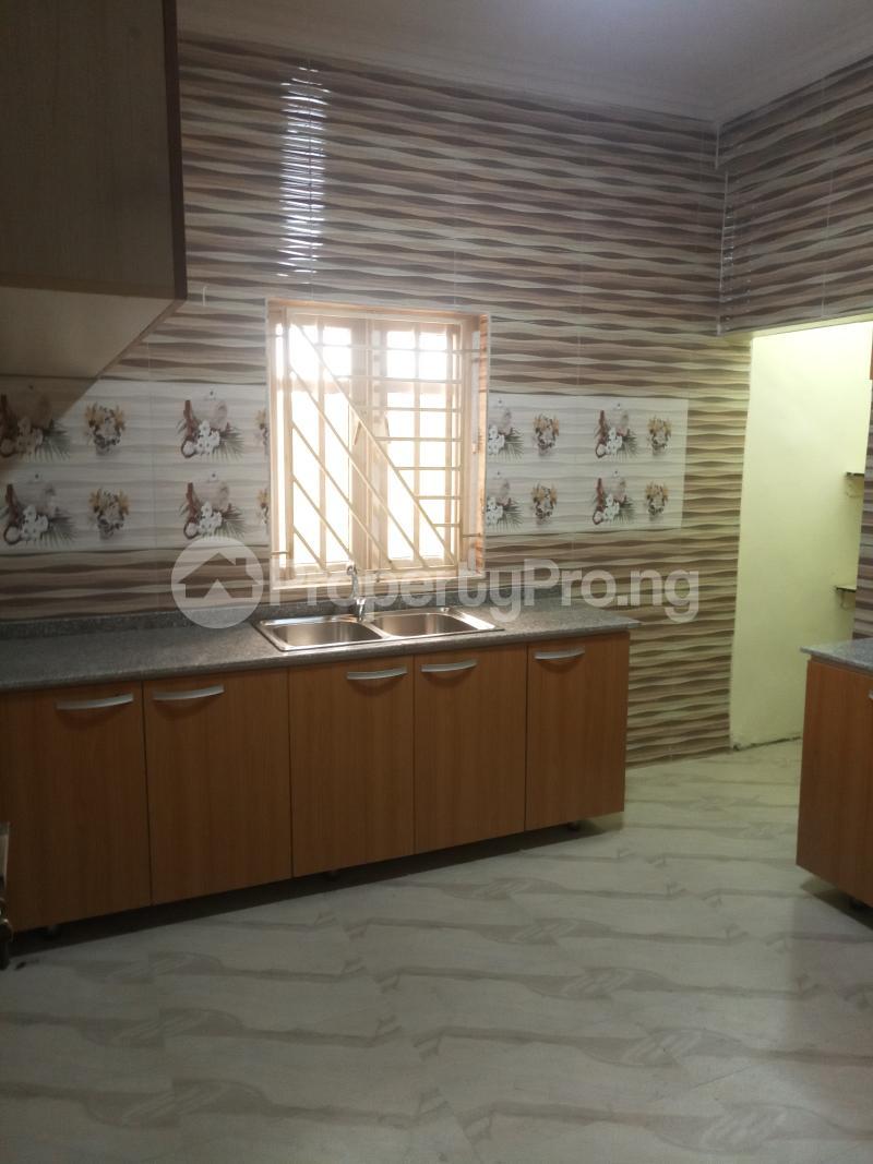 3 bedroom Penthouse Flat / Apartment for rent Adeyeye Millenuim/UPS Gbagada Lagos - 1