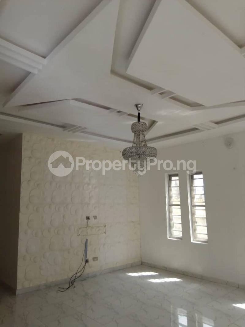 3 bedroom Terraced Bungalow House for sale Divine home off Thomas Estates. Thomas estate Ajah Lagos - 9